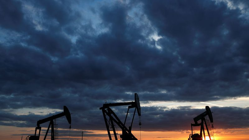 Oil Retreats Over U.S.-China Trade Deal Comments